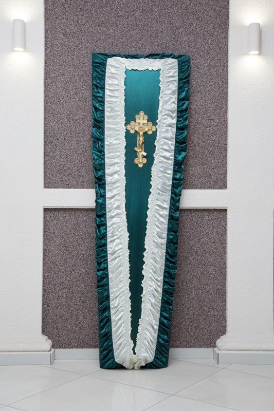 Гроб бело - зеленый атлас драпировка GD-10-atlas