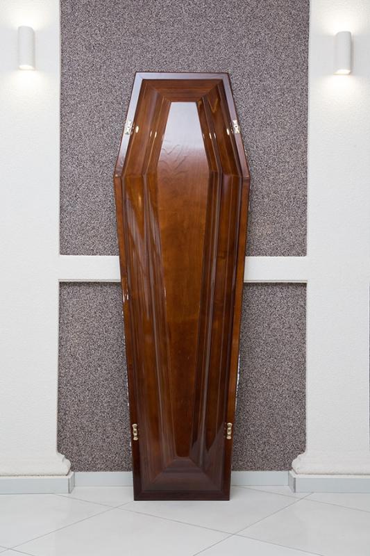 Гроб лаковый GL-3