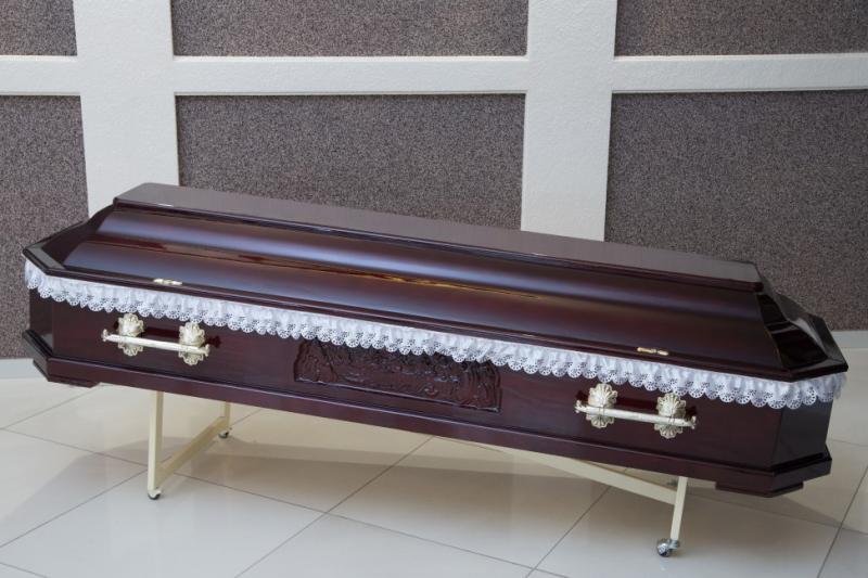 Гроб лаковый GL-4