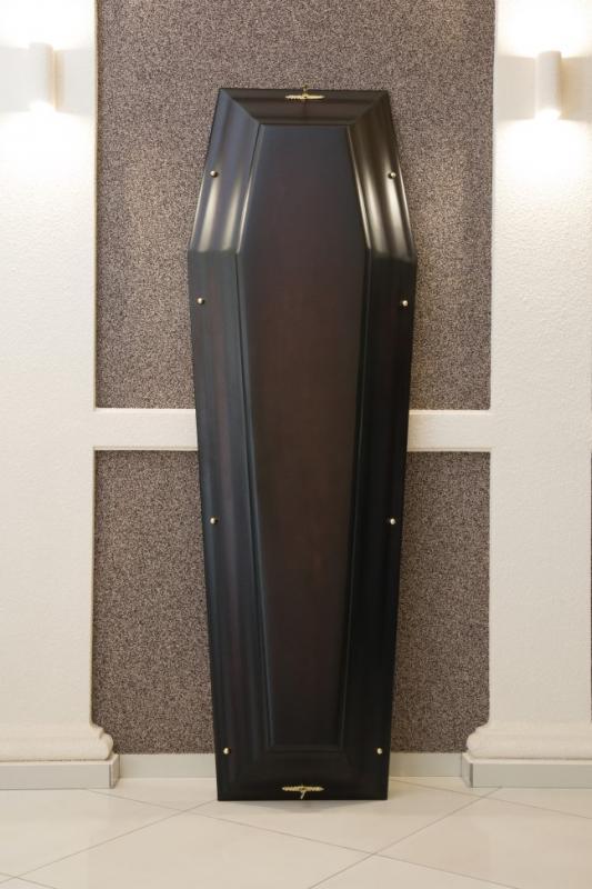 Гроб лаковый GL-6