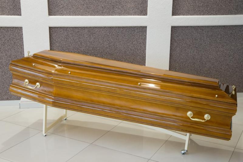 Гроб лаковый GL-7