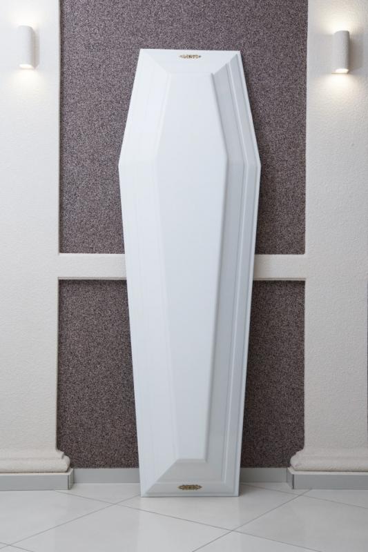 Гроб лаковый белый GL-8