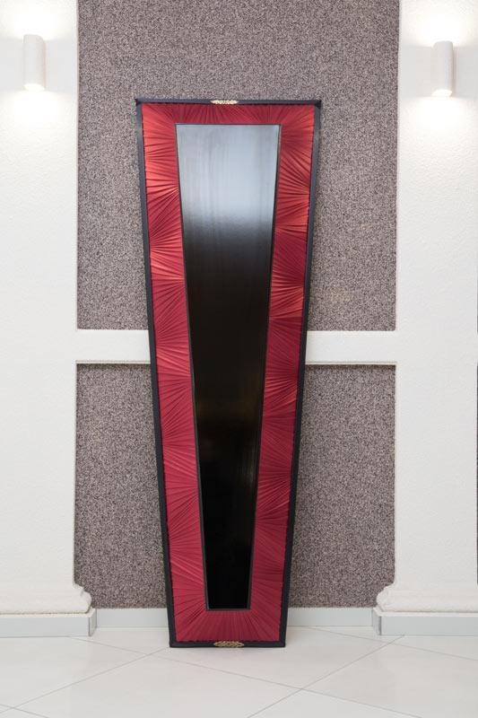 Гроб лак + драпировка красный