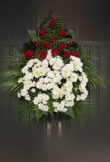 Венок из живых цветов 2