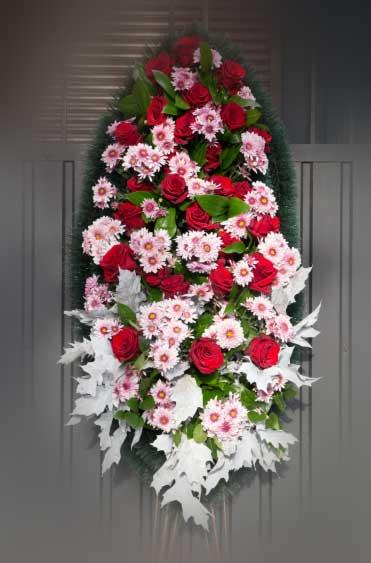 Венок из живых цветов 21
