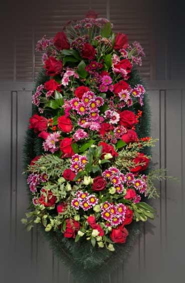 Венок из живых цветов 22