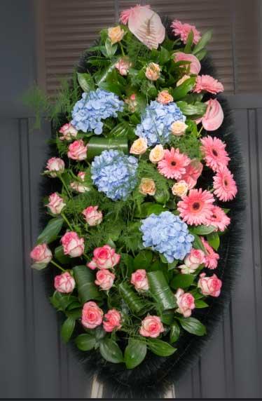 Венок из живых цветов 27